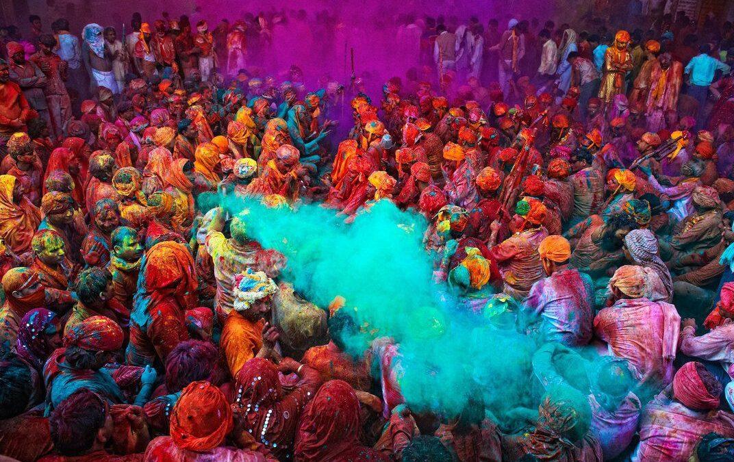 Φέστιβαλ Χόλι – Ανακαλύψτε στο πιο χρωματιστό φεστιβάλ του κόσμου!
